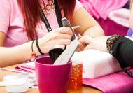 Odstraňovanie gélových nechtov a dolievka