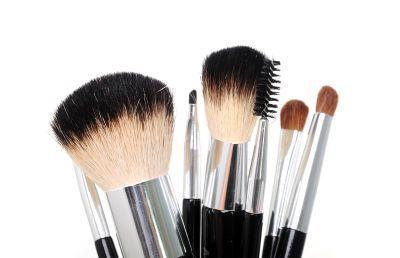 Sada štetcov na make-up 7 ks v ružovom púzdre